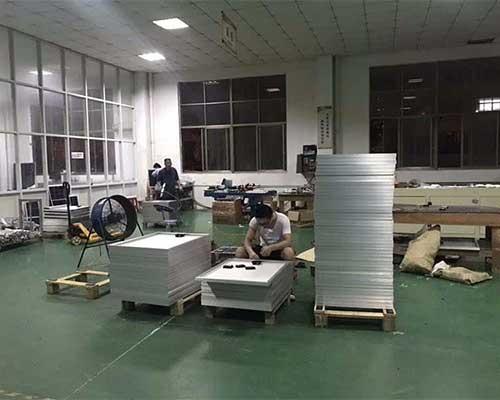 太阳能板生产车间