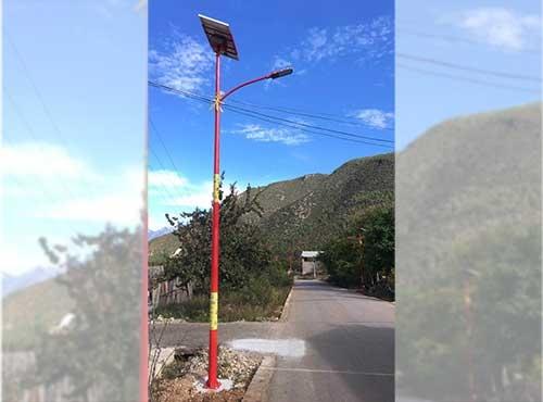 美观的太阳能路灯