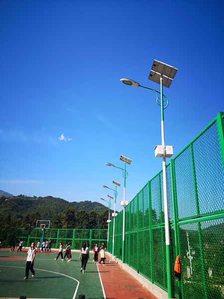 校园常规太阳能路灯